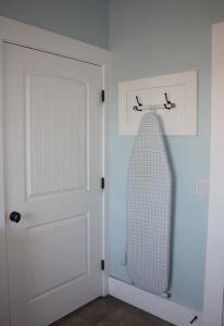 ironing_board_