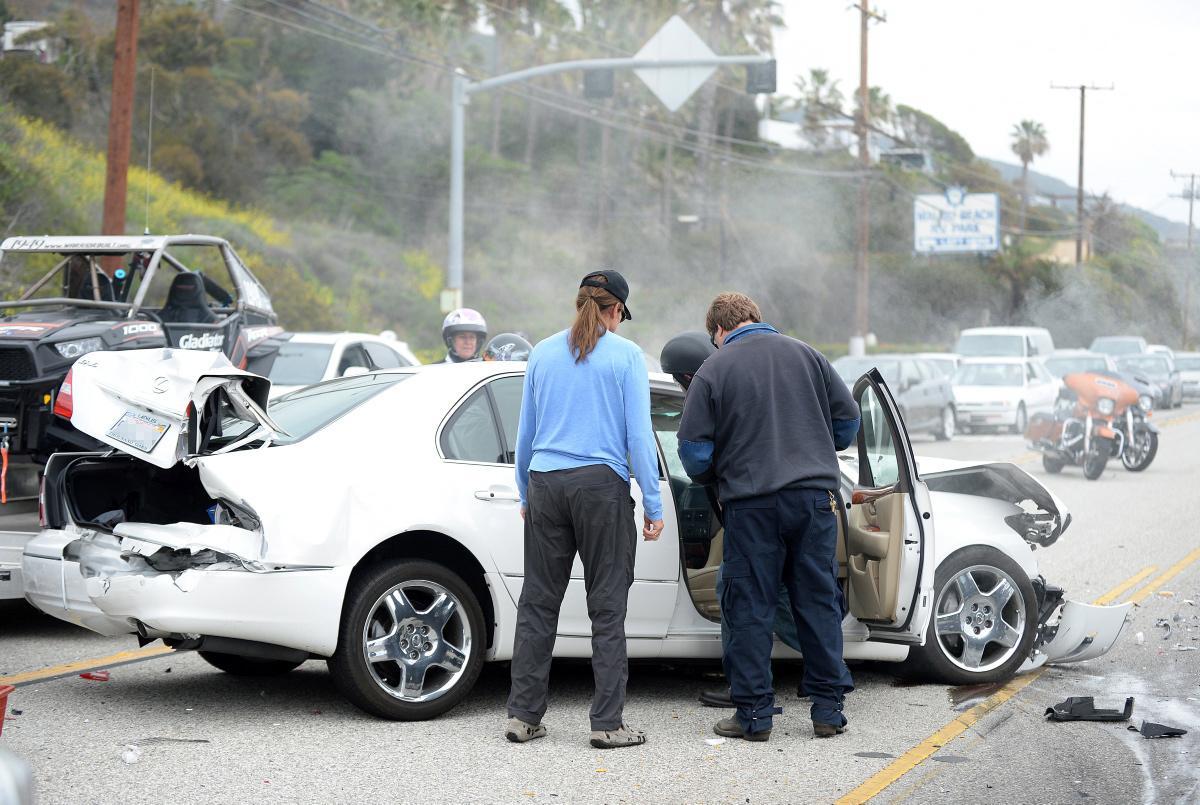 Car Crash Shemazing Page 2