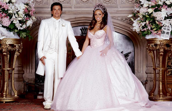 Peter andre finally opens up about his wedding shemazing for Coming to america wedding dress