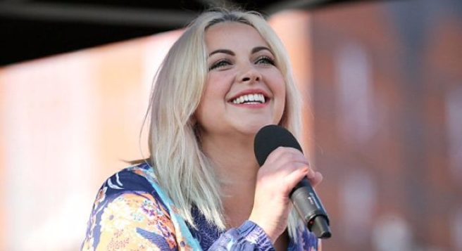 Charlotte Church Announces Her Third Pregnancy On Stage!