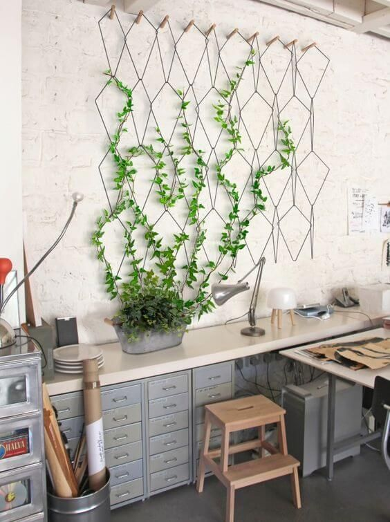 Six home decor trends that will bring the sun inside this for Jardin mural d interieur
