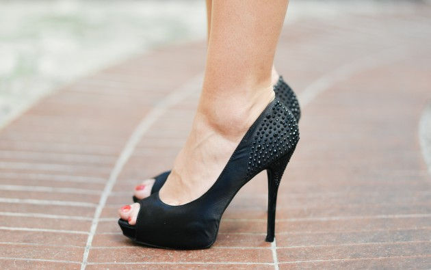 Employers must stop forcing women to wear high heels