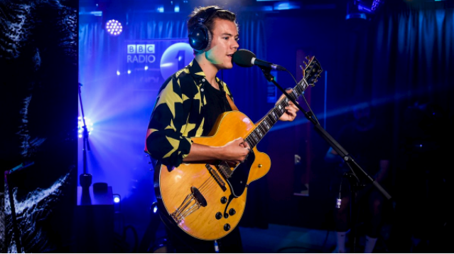 Harry Styles Drops by BBC Radio 1 for a Live Lounge Performance