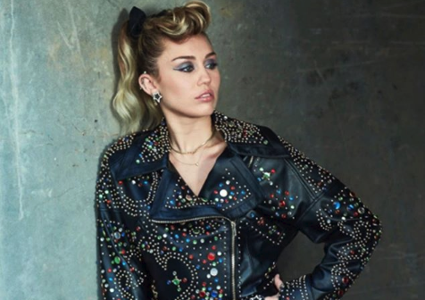 Miley Cyrus Celebrates 25th Birthday With Cute Throwback Pic